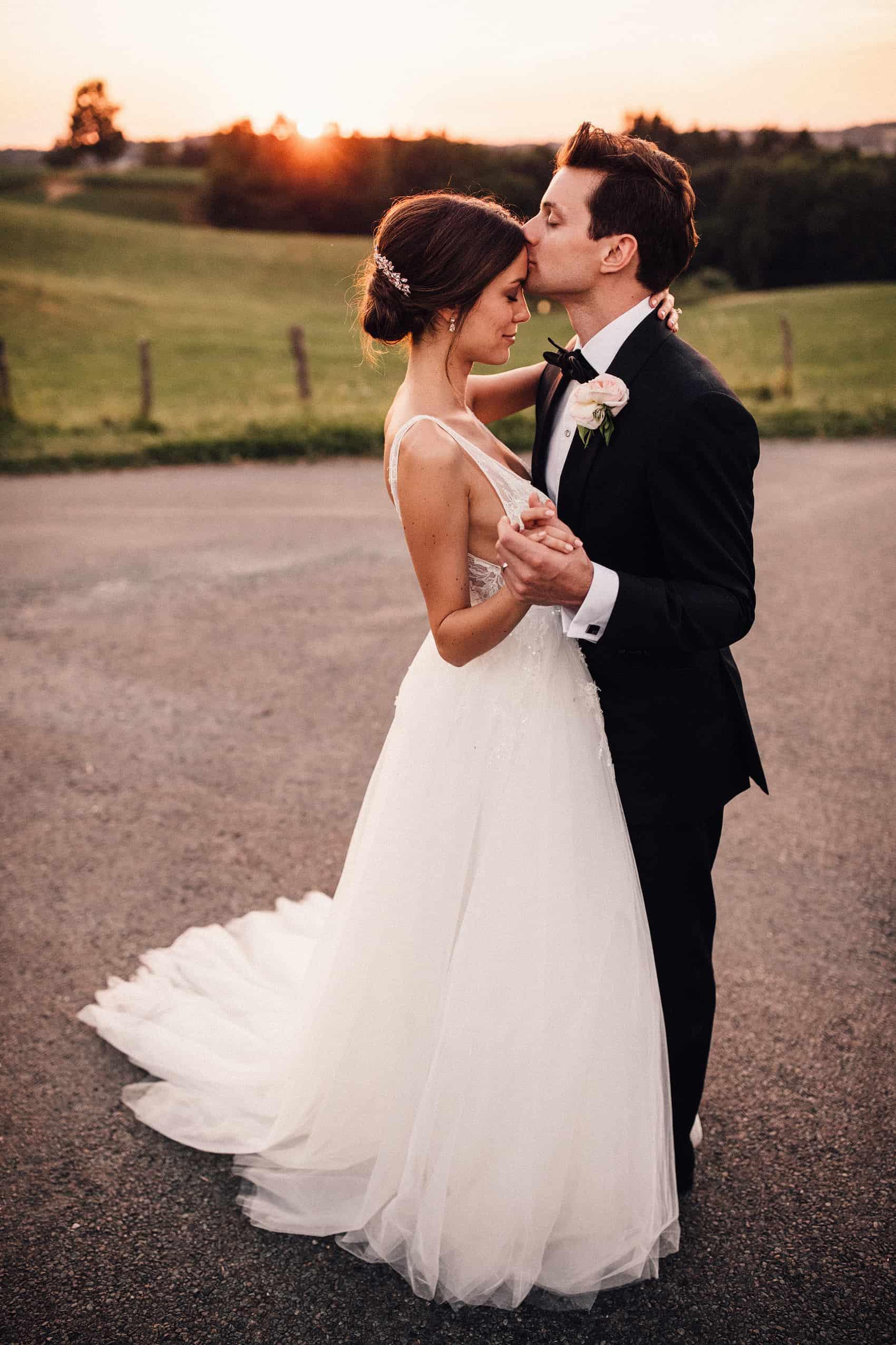 Monique lhuillier wedding dress in France